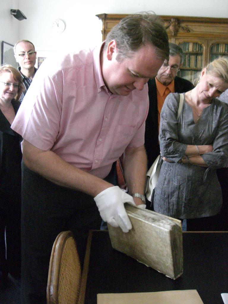2008.06 le 12 ARRAS médiathèque avec Sorj Chalandon (14)