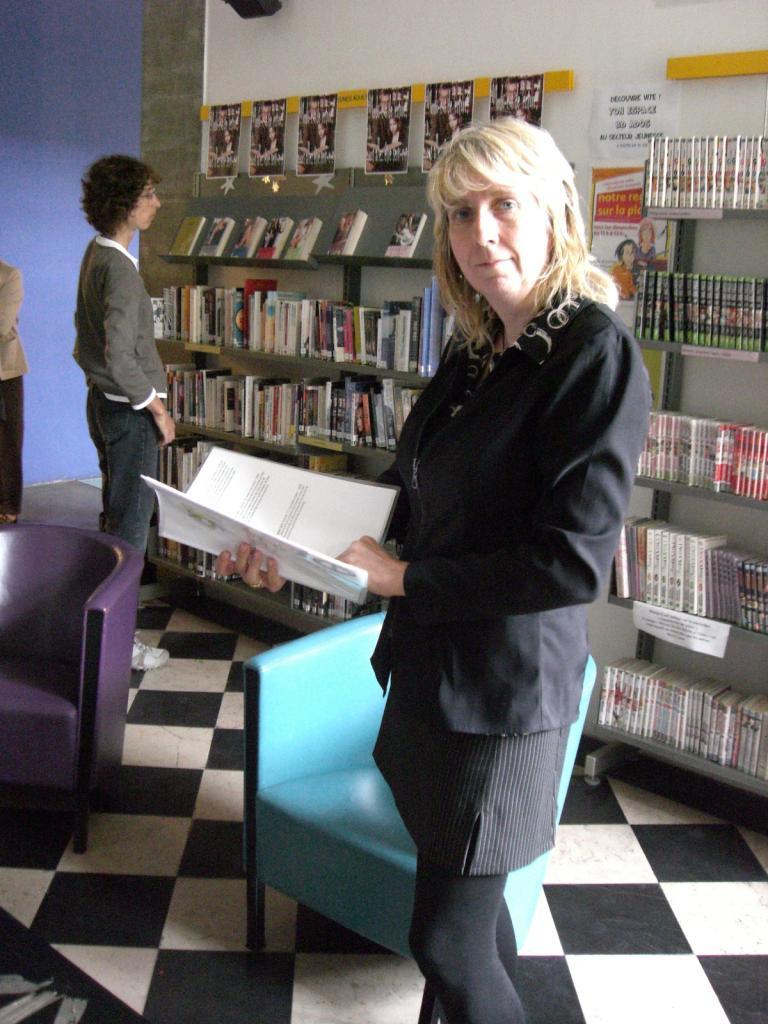 2008.06 le 12 ARRAS médiathèque avec Sorj Chalandon (9)