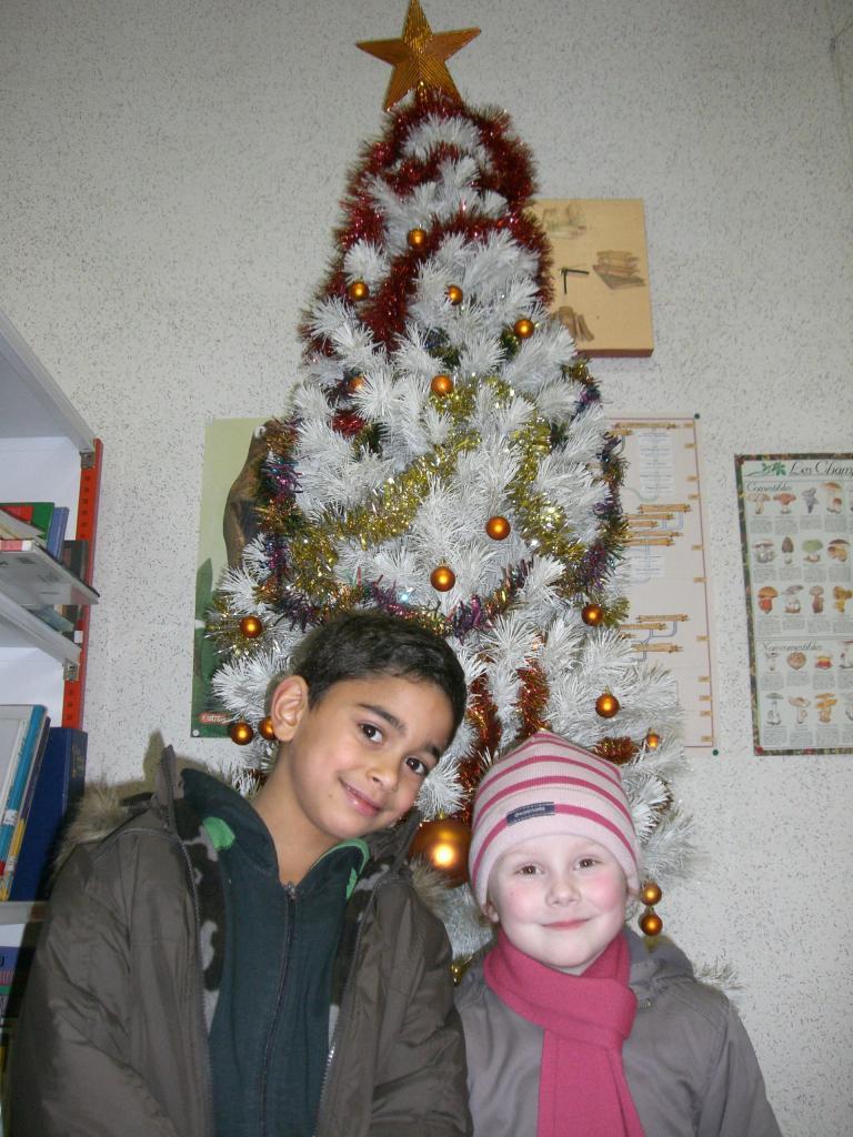 2008.12. le 11   Enfants Noël Bib. (1)