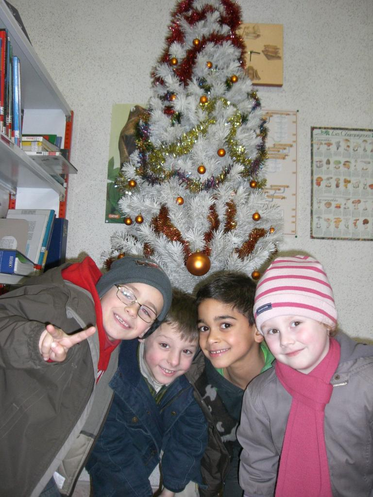 2008.12. le 11   Enfants Noël Bib. (2)