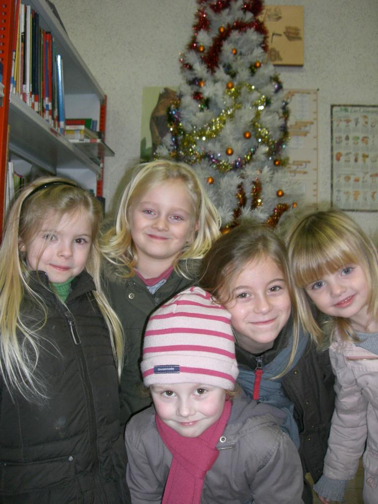 2008.12. le 11   Enfants Noël Bib. (4)