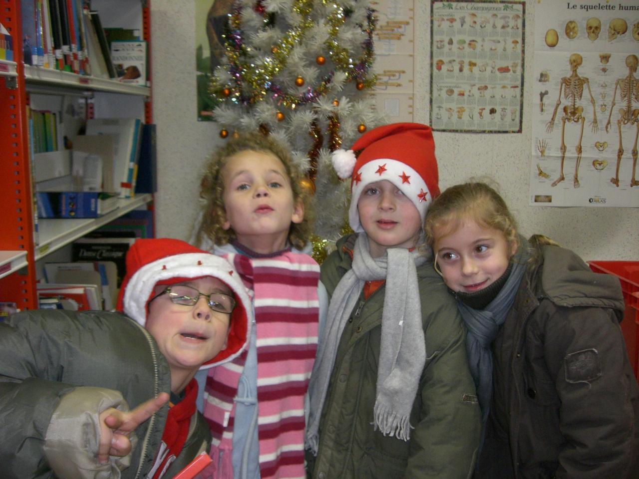 2008.12. le 18  enfants à la  bib