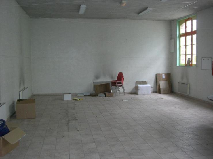 2009.03 le 26 bibliothèque vide + Marlières 004