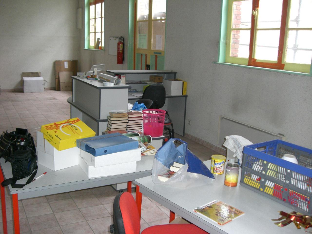 2009.03 le 26 bibliothèque vide + Marlières 008