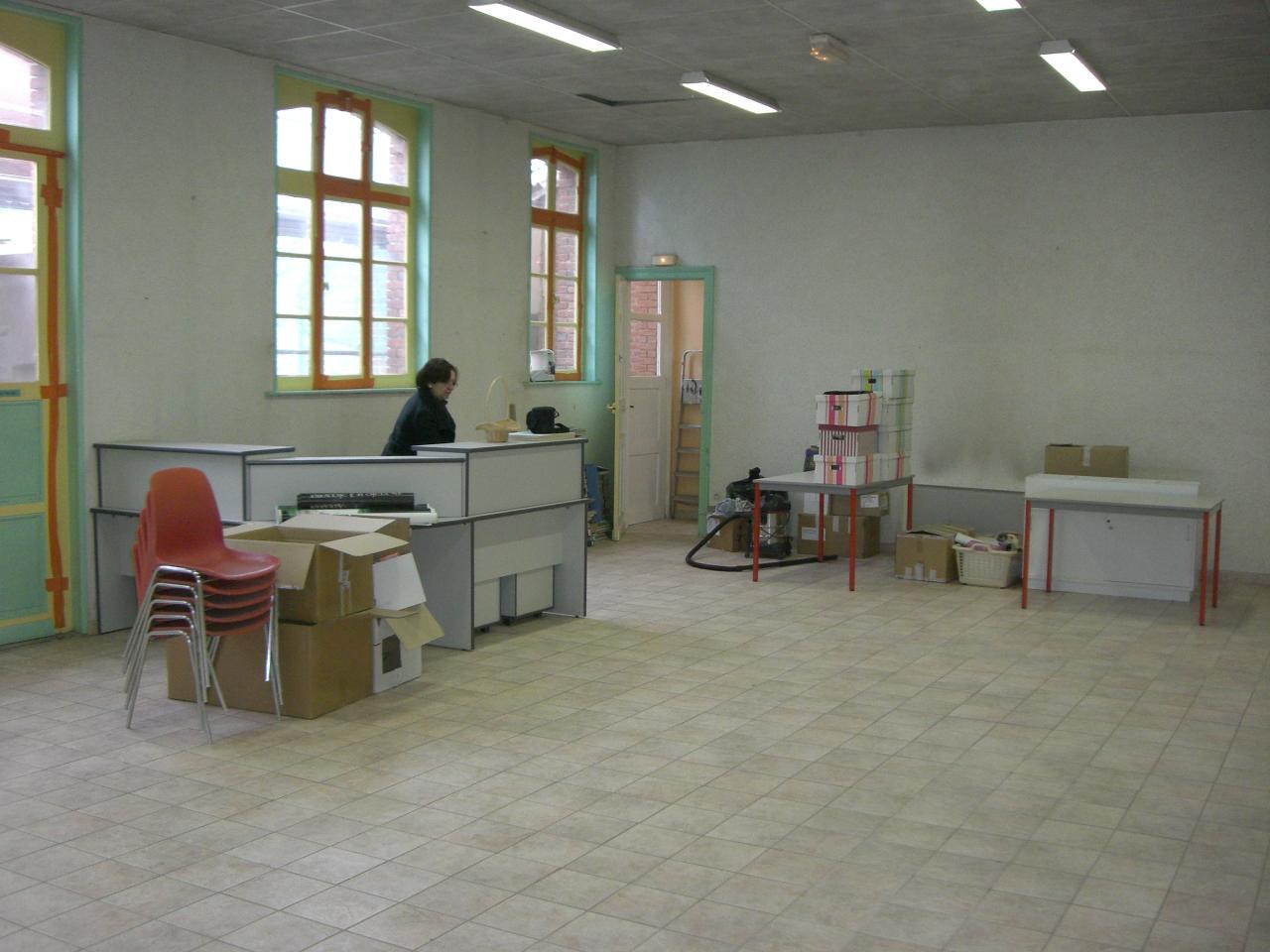 2009.03 le 26 bibliothèque vide + Marlières 010