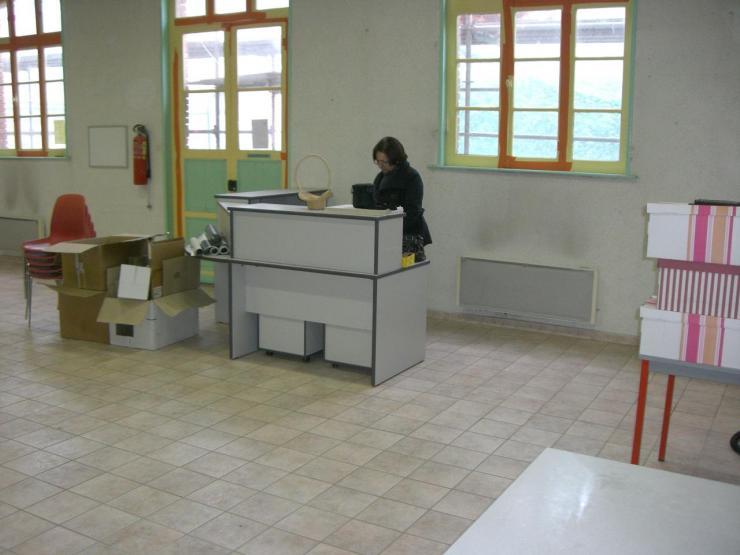 2009.03 le 26 bibliothèque vide + Marlières 013