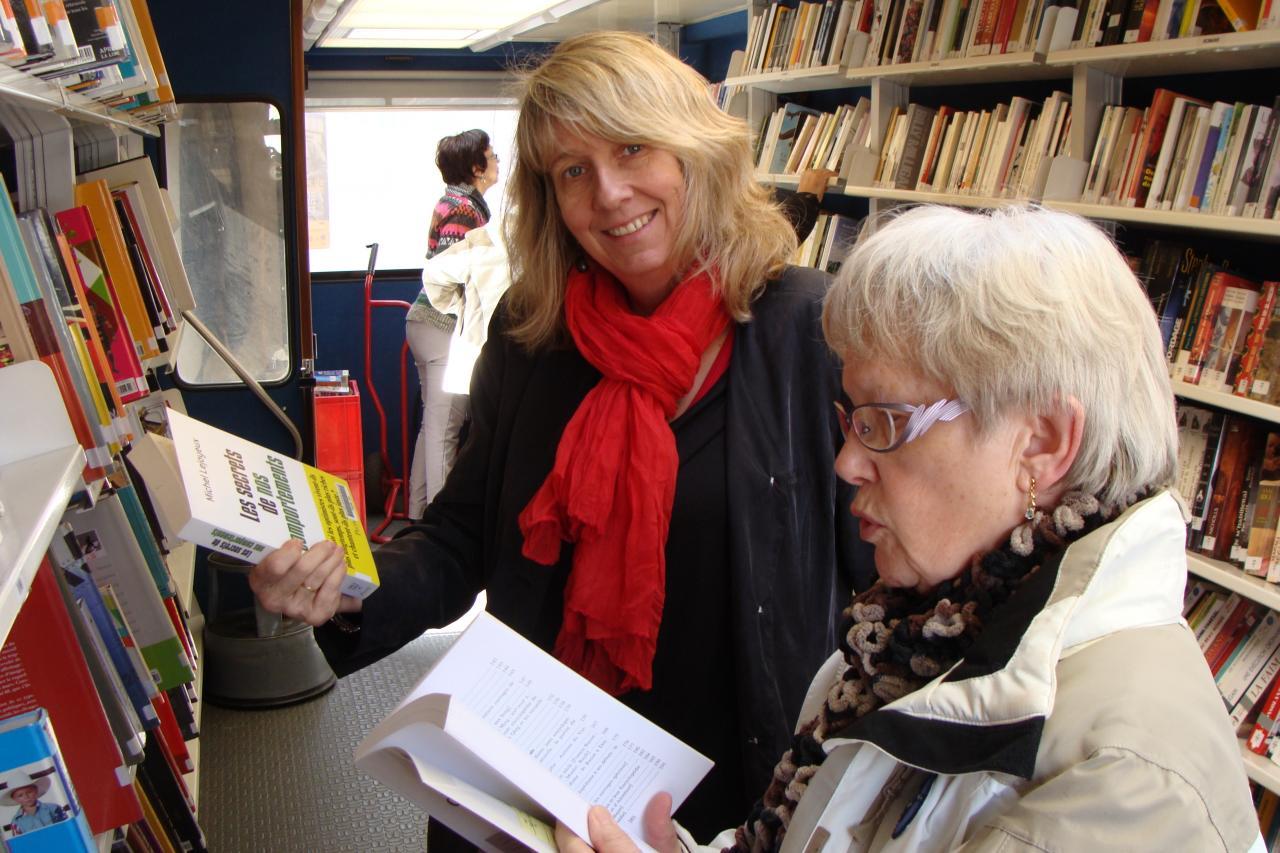 Fabienne & Nicole commentent un ouvrage sélectionné