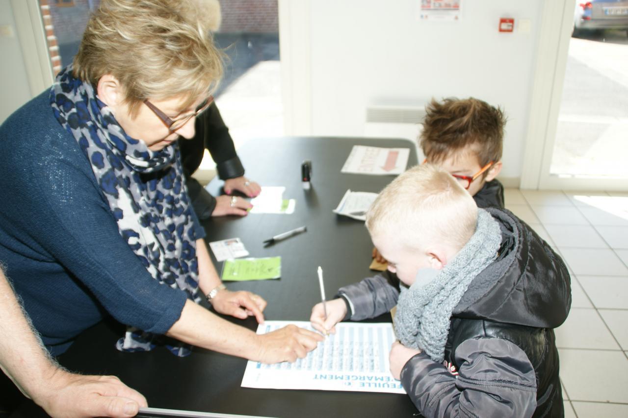 2017.05 le 09 Vote enfants classe Me PUREUR (16)