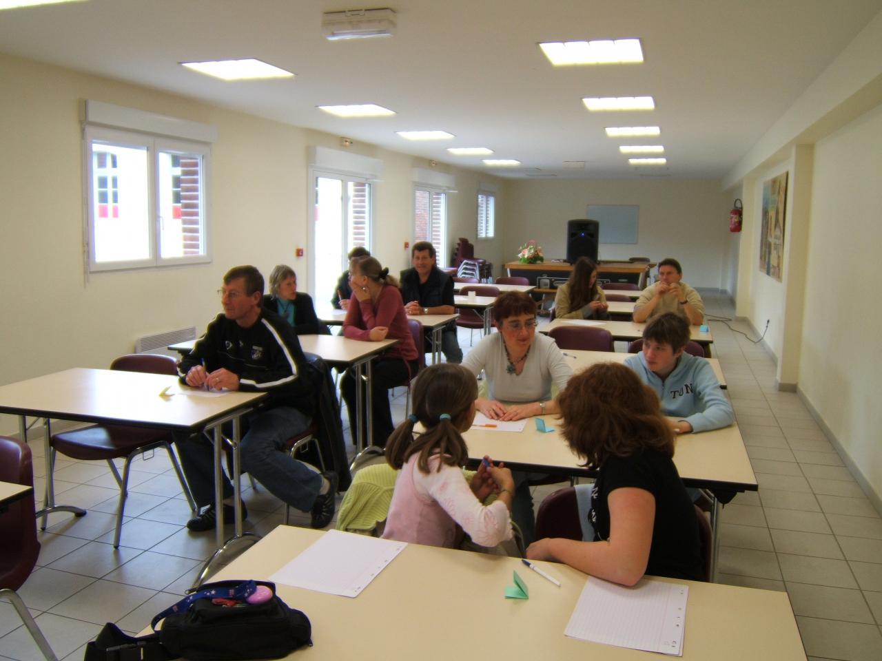 participants à dictée organisée par bibliothèque